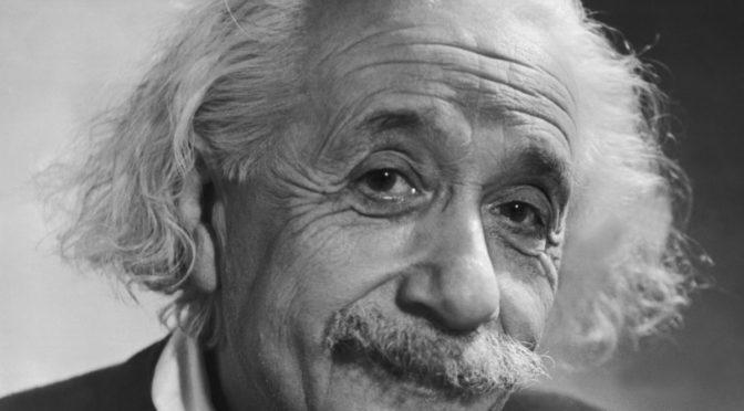 Albert Einstein- Człowiek jest częścią całości